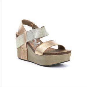 OTBT | Gold Bushnell Platform Wedge Sandals